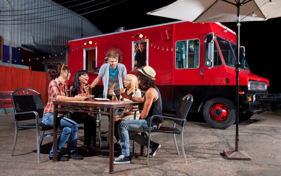Veja como montar um food truck de salgados
